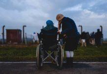 Jakie kompetencje powinien mieć opiekun osoby starszej?